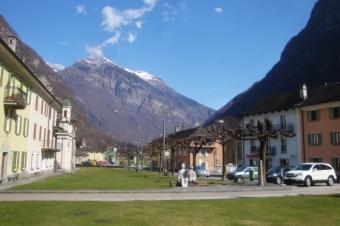 Cevio Dorfplatz