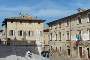 Italien 3 Urbino 195